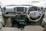 NV100クリッパー 運転席